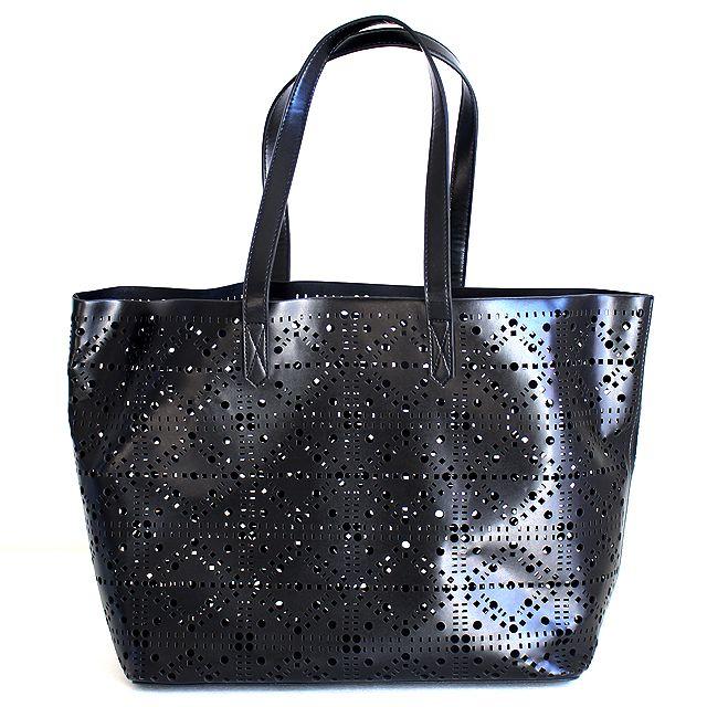 モード系ファッションの通販サイトalbino(アルビノ)です。こちらでは幾何学カットアウトデザイントートバッグに関して紹介しております。他にもメンズ、レディース共にお使い頂けるモード系ファッションアイテムをご用意しております。