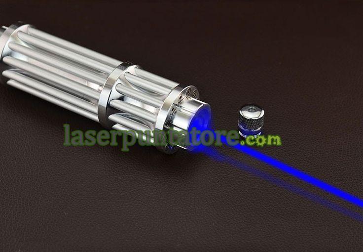 puntatore laser ad alta potenza :Laser blu puntatore 5000mw puntatore laser ad alta potenza, puntatore laser ad alta potenza in grado di fare molte cose, come ad esempio: bruciore, illuminazione a lunga distanza, effetto stelle. Questi tipi di penne laser sono molto popolari in Italia, ci sono un sacco di gente per acquistare questo puntatore laser.