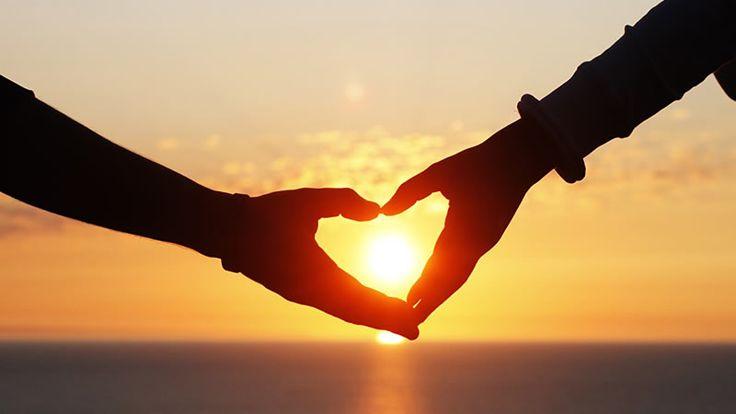 Manter um casamento ou um relacionamento é uma arte, os dois precisam estar em sintonia, mas as vezes essa sintonia começa a ser perdida e a relação começa a desgastar, mesmo com o amor de sua vida. Mas existem algumas estratégias que podem fazer o relacionamento se manter forte, mesmo em momentos difíceis. Confira 10 …