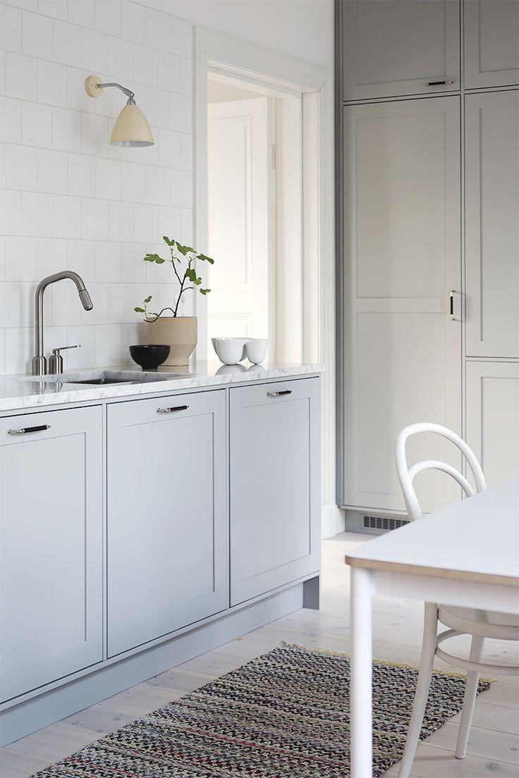 Pihkala-blogin Maijan Unique Home -keittiö näyttää hurmaavalta kaikkina vuodenaikoina.  uniquehome.fi