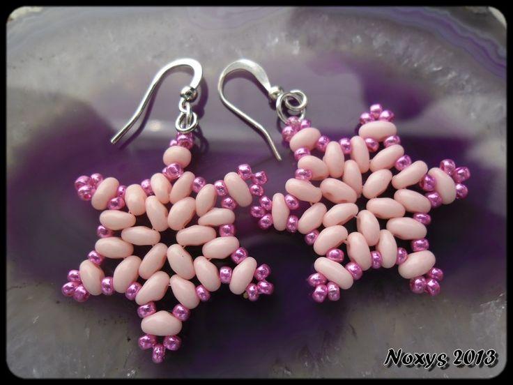 Vločky jinak... Šité vločko-hvězdičky, růžové twin korálky od Preciosy, bižuterní náušnicové háčky