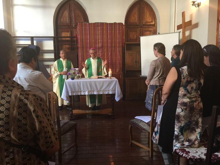 En la eucaristía de pascua de Hna María de San Agustin, conocida como Madre Josefa Fernández Concha,  junto al equipo de liderazgo Provincial, miembros de la Fundación Madre Josefa y presidida por los sacerdotes Gustavo Londoño y Galo Fernández