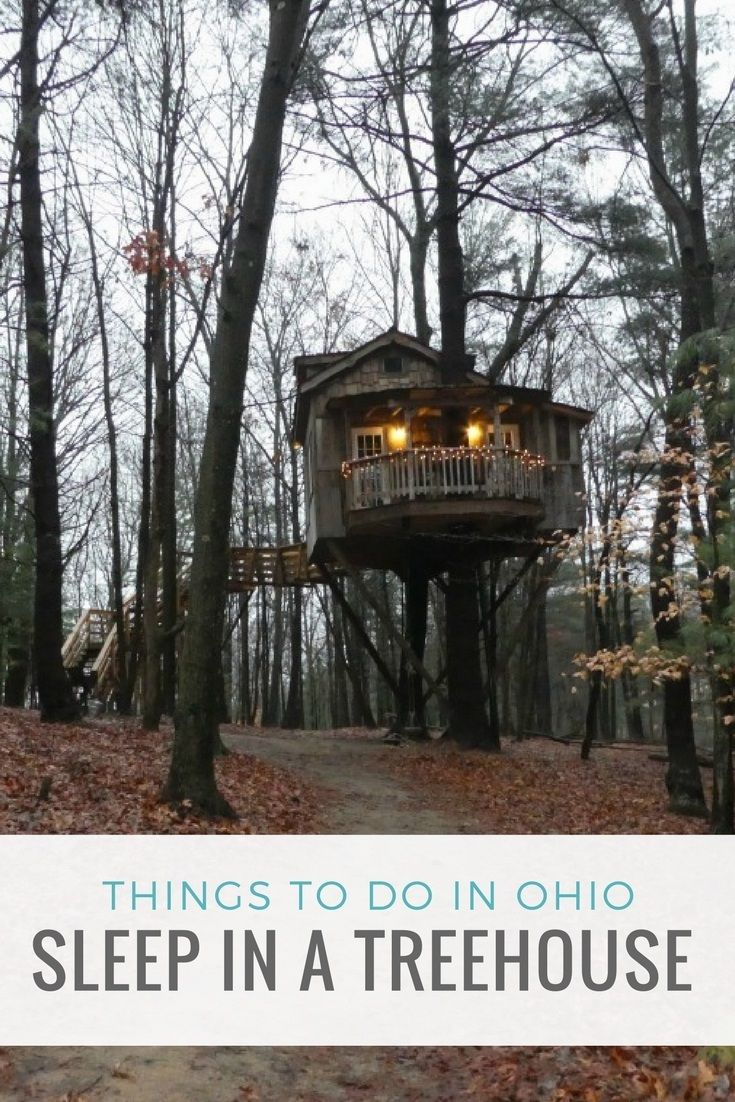 Things to do in Ohio- sleep in a treehouse at The Mohicans near Glenmont. https://Rumtreiberin.com