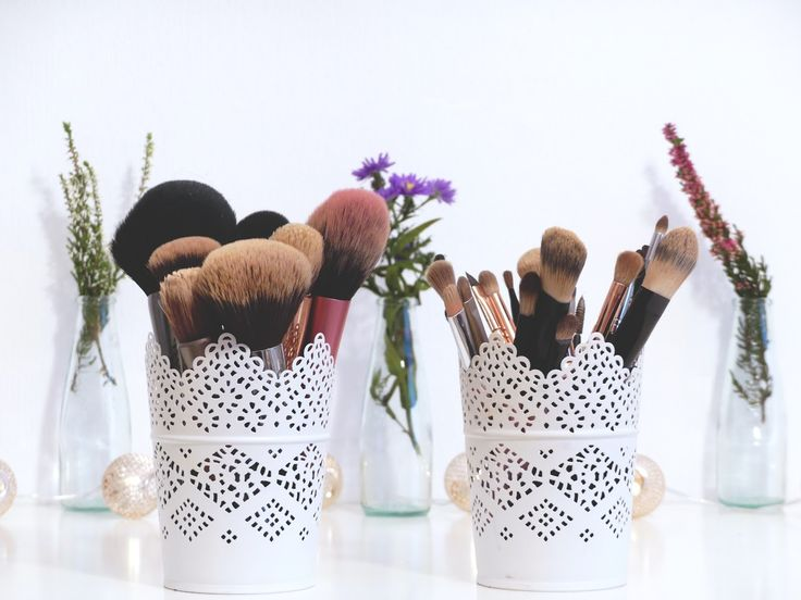 Make-Up Pinsel reinigen – so geht's richtig