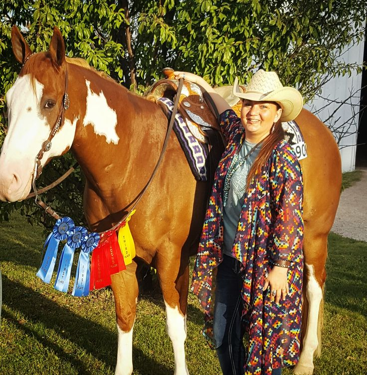 #Lularoe Shirley Kimono LuLaRoe. Serape, southwest, cowgirl gypsy boho straw Resistol hat turquoise jewelry. American Paint Horse. Pinto overo. Western Pleasure. Lonestars Zipsational by Dukes Lonestar. Owned by Liz Haben, shown by Whitney