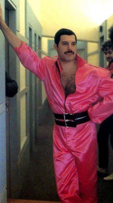 Queen #Freddie #Mercury More #music pics at www.freecomputerdesktopwallpaper.com/wmusicthree.shtml