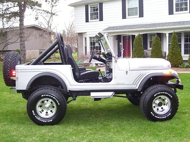 Jeep CJ7 Laredo