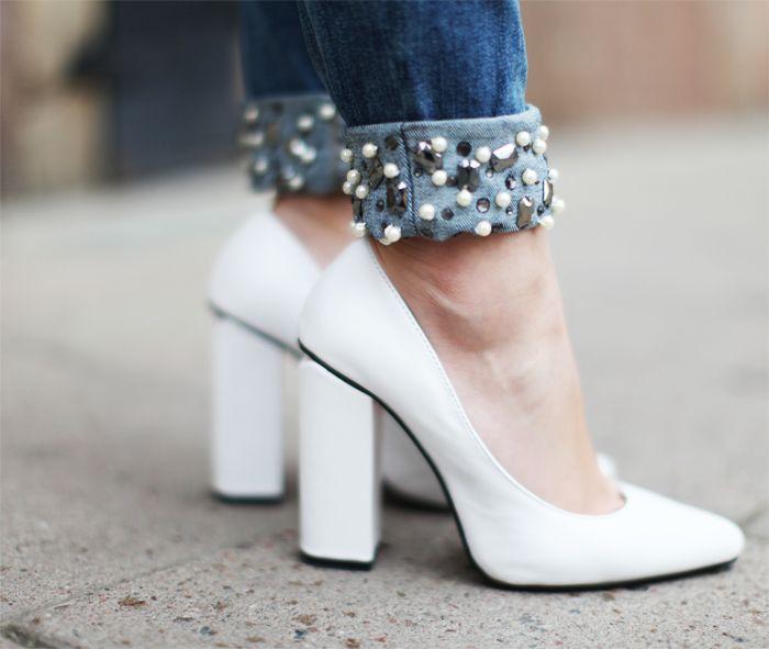 cuff: Diy'S Inspiration, White Shoes, White Pumps, Diy'S Idea, Art Symphoni, Blue Jeans, Awesome Jeans, White Heels, Studs Cuffs