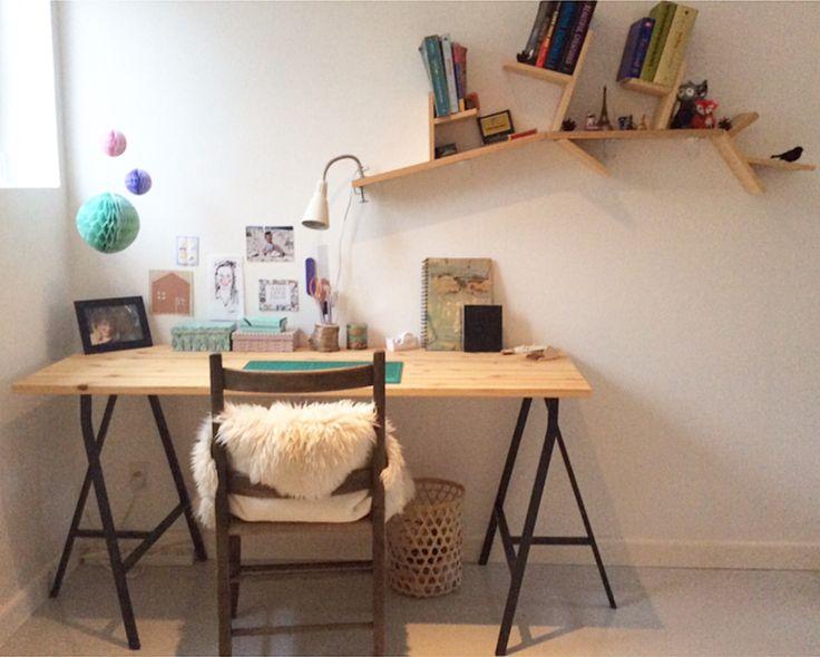Teenage office • DIY table • tablelegs from IKEA- Caroline L K