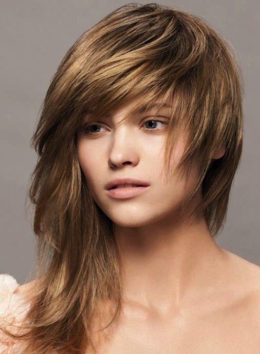 Tagli asimmetrici capelli lunghi (Foto 6/40) | Donna