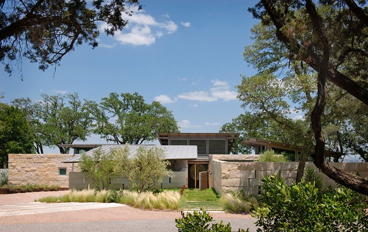 lake-flato-hillside-house-austin-texas-designboom-02