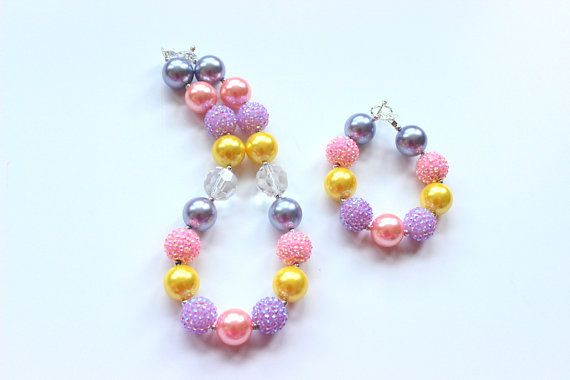 Niñas Pascua grueso collar y pulsera conjunto Matching collar y pulsera lila de amarillo y rosa de colores en Pastel niñas Pascua collar