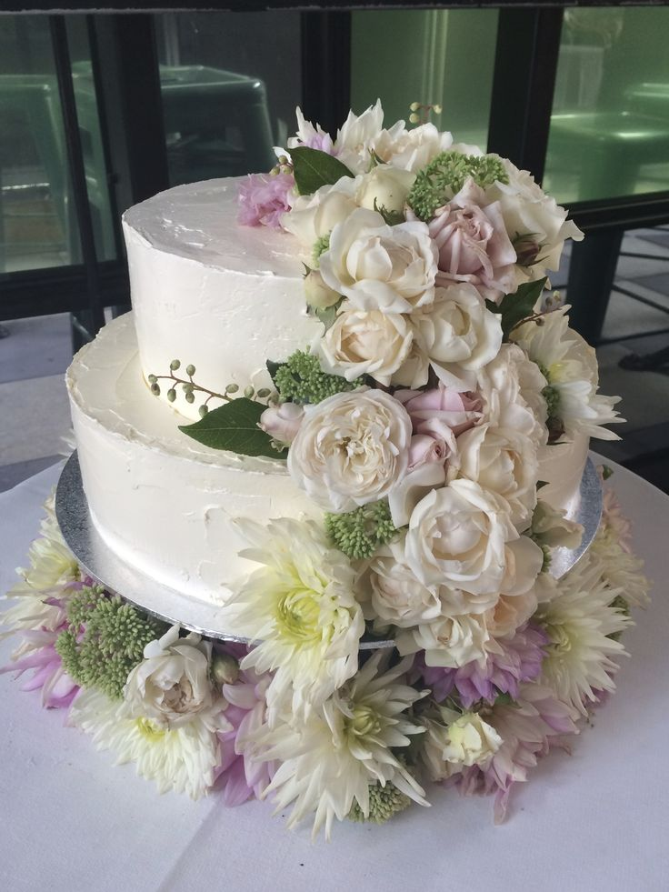 Two tiered cake with fresh blooms