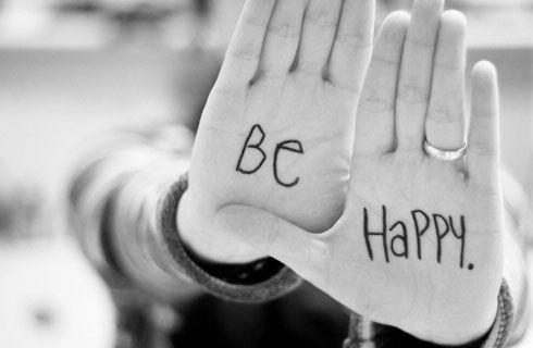 Let your smile change the world, but do not let the world change your smile …    Sigue sonriendo con: Simplemente decide ser feliz Son...