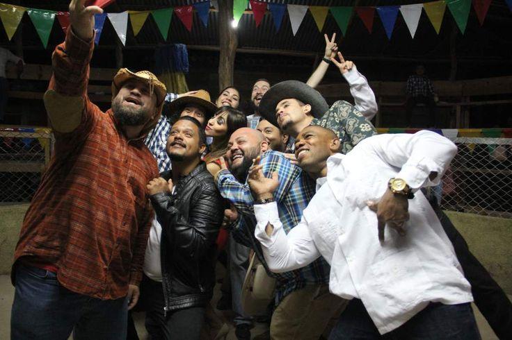 """El jueves llega a los cines de Honduras """"La Límpia, La Chancha y la Santa María"""". Con el patrocinio de EL HERALDO llega esta nueva producción hondureña que promete en grande.  http://www.elheraldo.hn/entretenimiento/1043848-466/el-jueves-llega-a-los-cines-de-honduras-la-limpia-la-chancha"""