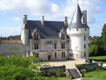 Château de Crazannes - Château, Chambres d'Hôtes, Séminaires, Le Chat Botté à Crazannes (17)