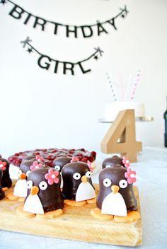 Wie man #Schoko-#Küsse ganz leicht in süße #Pinguine umwandelt!