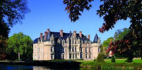 wedding venue france Chateau Esclimont