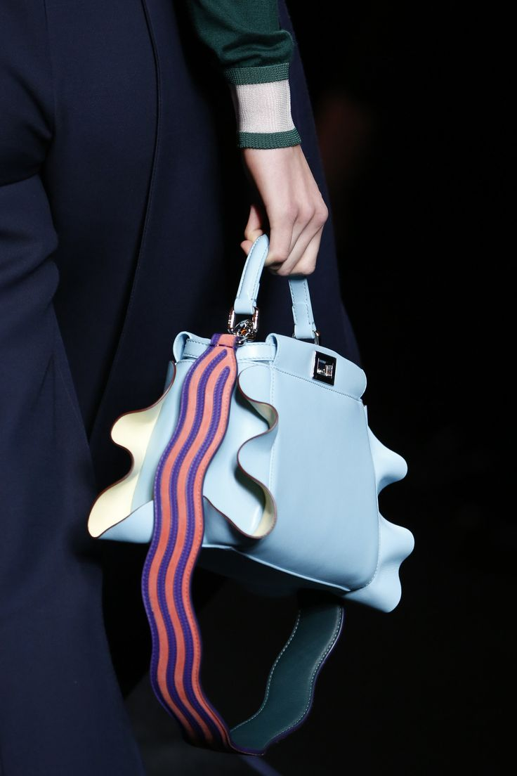 Fendi Fall 2016 Ready-to-Wear Fashion Show Details