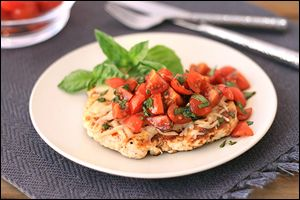 Clean meals in 20 minutes: Caprese Chicken and Blackened Shrimp Tacos from Hungry Girl!