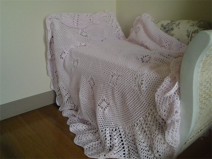 Circular Crochet Baby Blanket Pink 130cm diameter   Frilly Daisy   madeit.com.au
