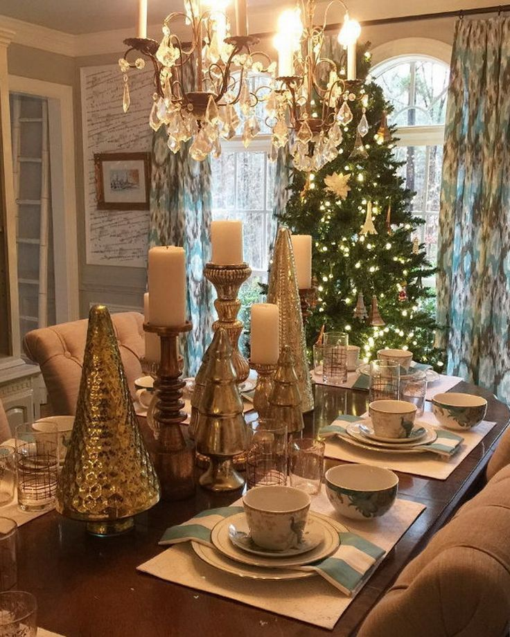875 best christmas table decorations images on pinterest for Pictures of decorated dining room tables