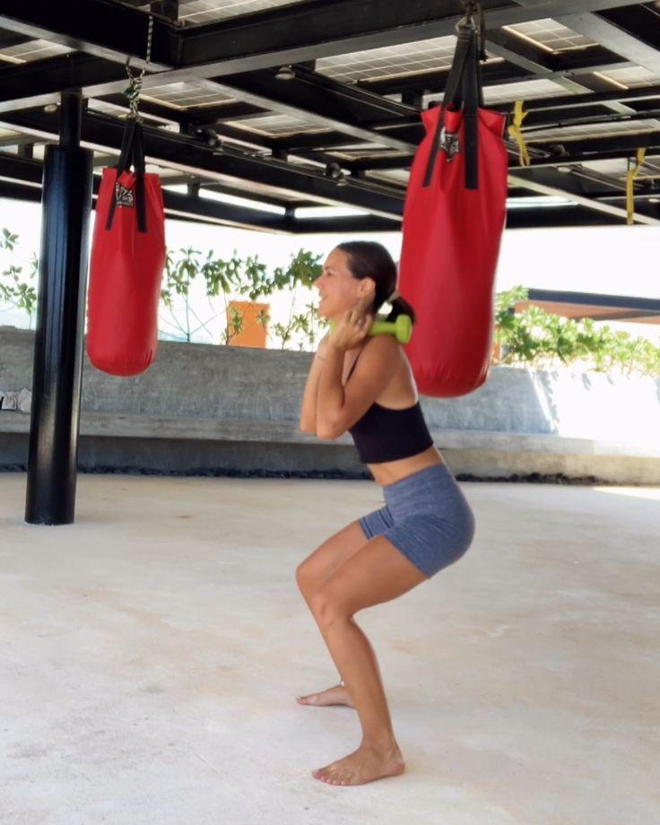 Es lunes y hay que programar los entrenamientos de la semana 🌺 planificar te va a ayudar a cumplir con un buen ritmo de ejercicios. Hoy muestro una rutinita ideal para entrenar todo el cuerpo con peso y en poco tiempo, porque hay ejercicios combinados que son un 10, así que no te olvides de guardar el video! Hacé 4 series de entre 10 y 15 repeticiones por ejercicio 🏋️♀️ ¡exitos! 🎧BMO - @arilennox  #fitnessmotivation #mondayfitness #totalbodyworkout #tulumgym #losamigostulum… Pilates, Ballet Skirt, Sporty, Workout, Style, Fashion, Shape, Arm Workouts, Fitness Exercises