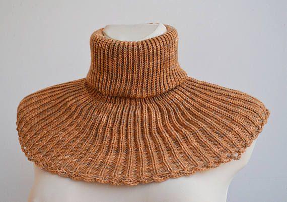 Beige knit cowl beige necwarmer beige knit scarf unisex #Beigeknitcowl, #unisexcowl, #dosiakstyle, #knitscarf