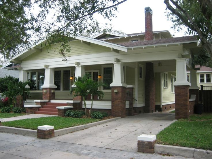 Hyde Park, Tampa, FL This is a beautiful craftsman home.... Love it!