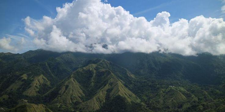 Memanjakan Mata Di Lekukan Bukit Nona - http://darwinchai.com/traveling/memanjakan-mata-di-lekukan-bukit-nona/