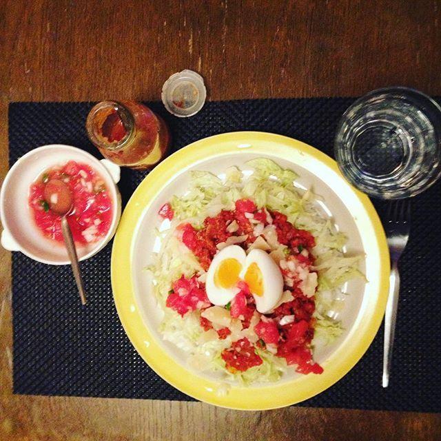 タコライスを作った。 チーズはイタリアのグラナパダーノ、ソースは青唐辛子で。  #keikoswashoku #keikomme #foodie#delicious #yummy #foodporn #italia #cucina #tacorice  #taco #柚子ソース #ケイコ飯 #mexican #okinawa #メキシコ #沖縄 #ヘルシー #イタリア #料理 #美味しい #夕飯 #晩飯 #FB