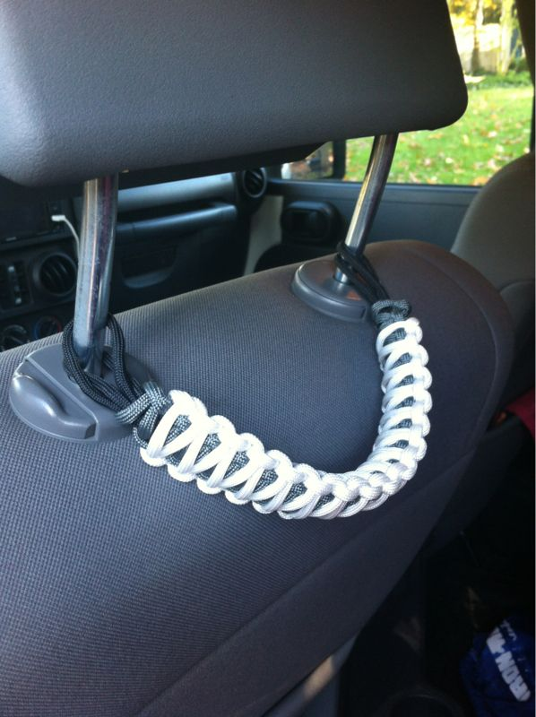 Jeep Paracord Accessories: Headrest Grab Handle
