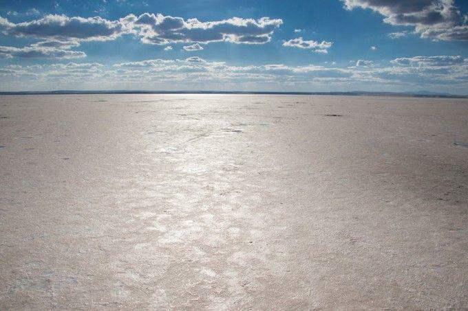 トルコのウユニ塩湖!幻想的な景色が広がる「トゥズ湖」の魅力