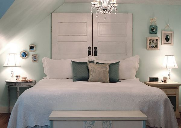 38 Creative DIY Vintage Headboard Ideas | Daily source for inspiration and fresh ideas on Architecture, Art and Design