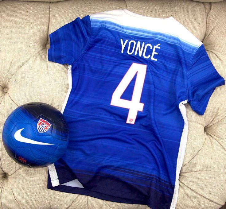 Beyoncé Supporting Women's USA Football Team 06.07.2015