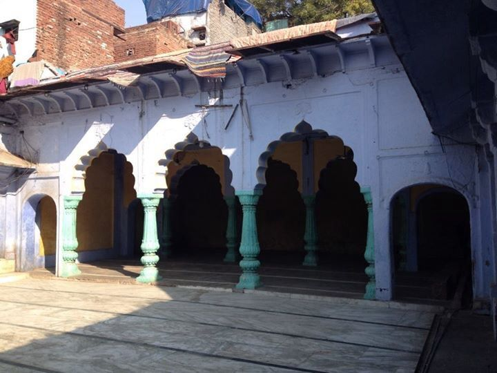 The Majlis khana a later addition to the dargah complex