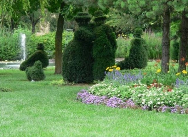 1000 Images About Ohio Topiary Garden Of Georges Seurat