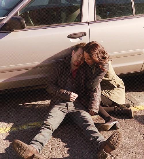 Jon Seda (Detective Antonio Dawson) & Monica Raymund (Gabriela Dawson) - Chicago Fire