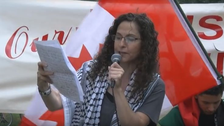 Pro-Israel group claims Shoufani called for 'violence against Israelis' when she said Palestinians had right to resist occupation. By Jillian D'Amours   MEE   July 15, 2016 TORONT… https://winstonclose.me/2016/07/16/canadian-teacher-under-police-investigation-for-saying-palestinians-had-right-to-resist-occupation-by-jillian-damours-mee/