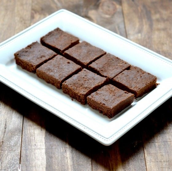 Raw Chocolate Mint Protein Bars--holy moly they are delish!!!  #vegan #glutenfree @carascravings