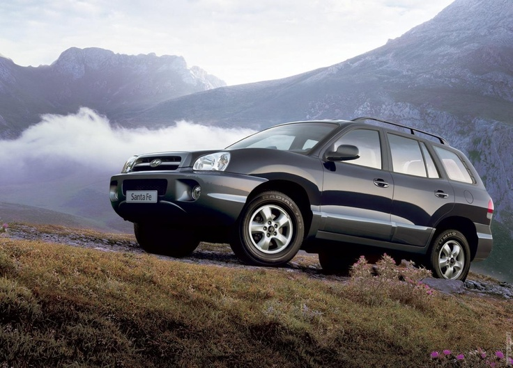 2005 Hyundai Santa Fe - A less sporty and more practical look than the more recent Santa Fe.  <3