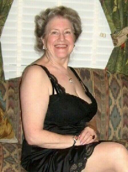 Mature Nylon Panties Brassiere Slip 27