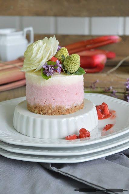 ABOUT VERENA : No - Bake Cheesecake mit Erdbeeren und Rhabarber / No - Bake Rhubarb Cheesecake