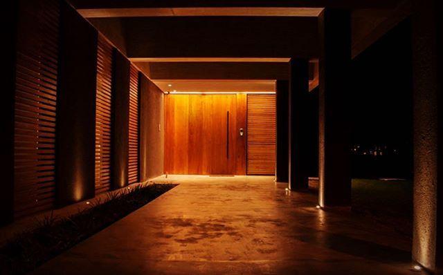 Acceso, golf nordelta, arquitectura 44 - #Iluminacion, #materialidad #espacialidad. #minimalista.