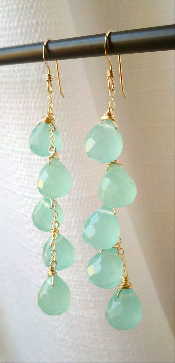 light minty blue amazonite and gold dangle earrings <3, Zarcillos de amazonita, dorados en forma de gotas color menta.