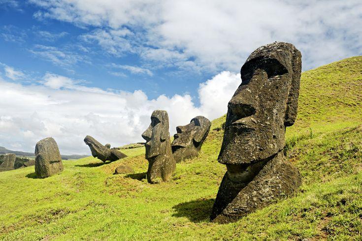 Почему остров Пасхи так назвали?