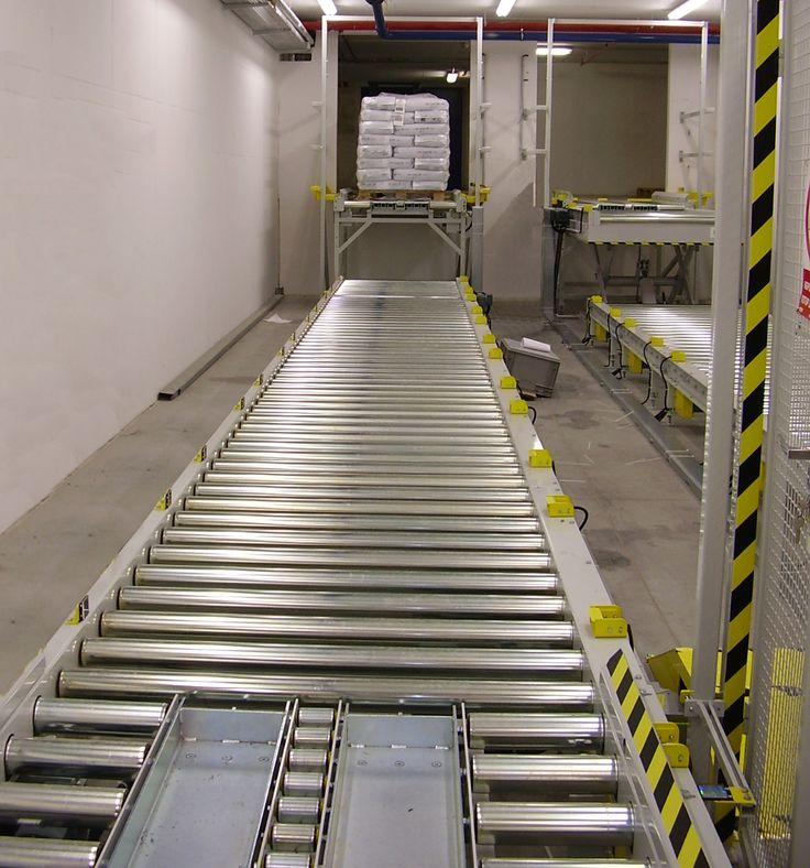 Pallet conveyor system // Paletový dopravníkový systém
