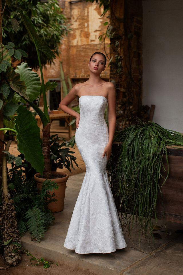 Zac Posen Bridal Collection Fall Winter 2020 2021 Lookbook Bridal Dresses Wedding Outfits Bridal Gowns Mermaid Zac Posen Wedding Dress Zac Posen Bridal