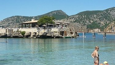 a photo of the island restaurant in camp de mar mallorca majorca