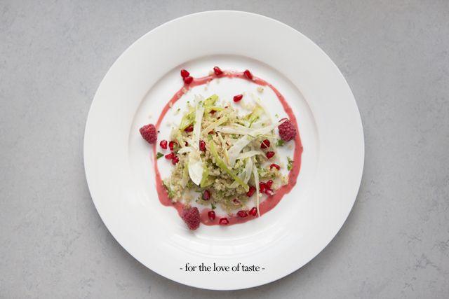 Quinoa-venkelsalade met granaatappel en frambozen -
